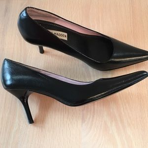Black Leather Pointed Toe Stiletto Pump Classie